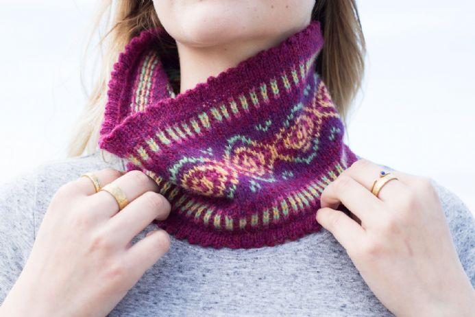 Clickimin Cowl - Janette Budge